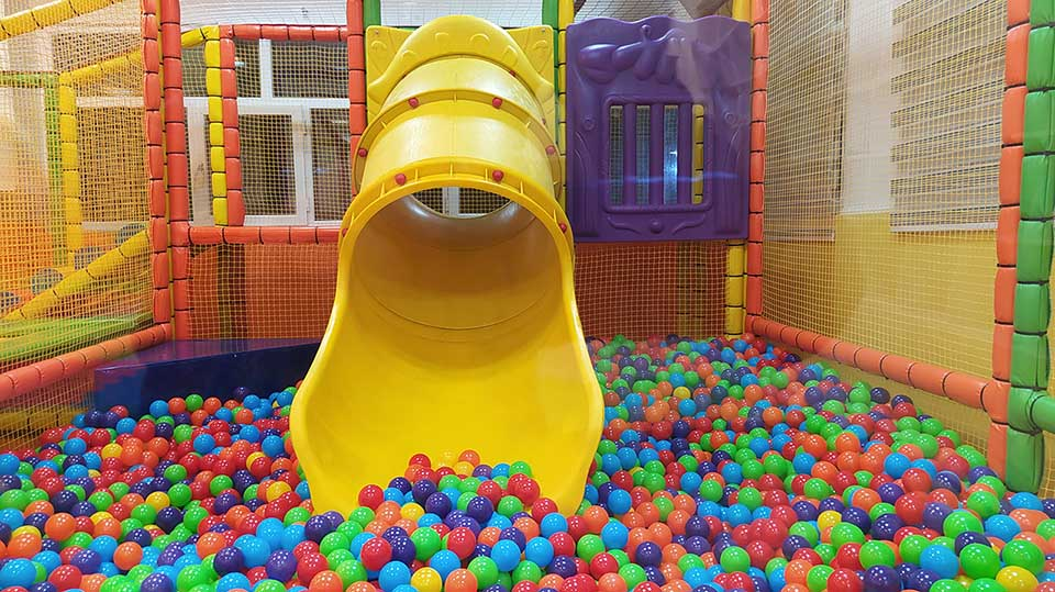 سافت پلی گراند | استخر توپ | سرسره | خانه بازی کودک