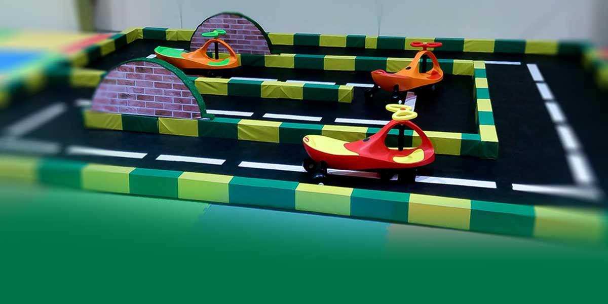 پیست ماشین | شهر ترافیک | وسایل بازی کودک | وسایل و تجهیزات خانه بازی